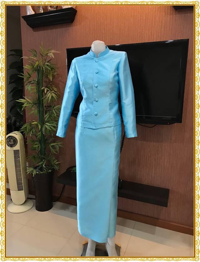 รูปภาพชุดไทยจิตรลดาสีฟ้าอ่อน
